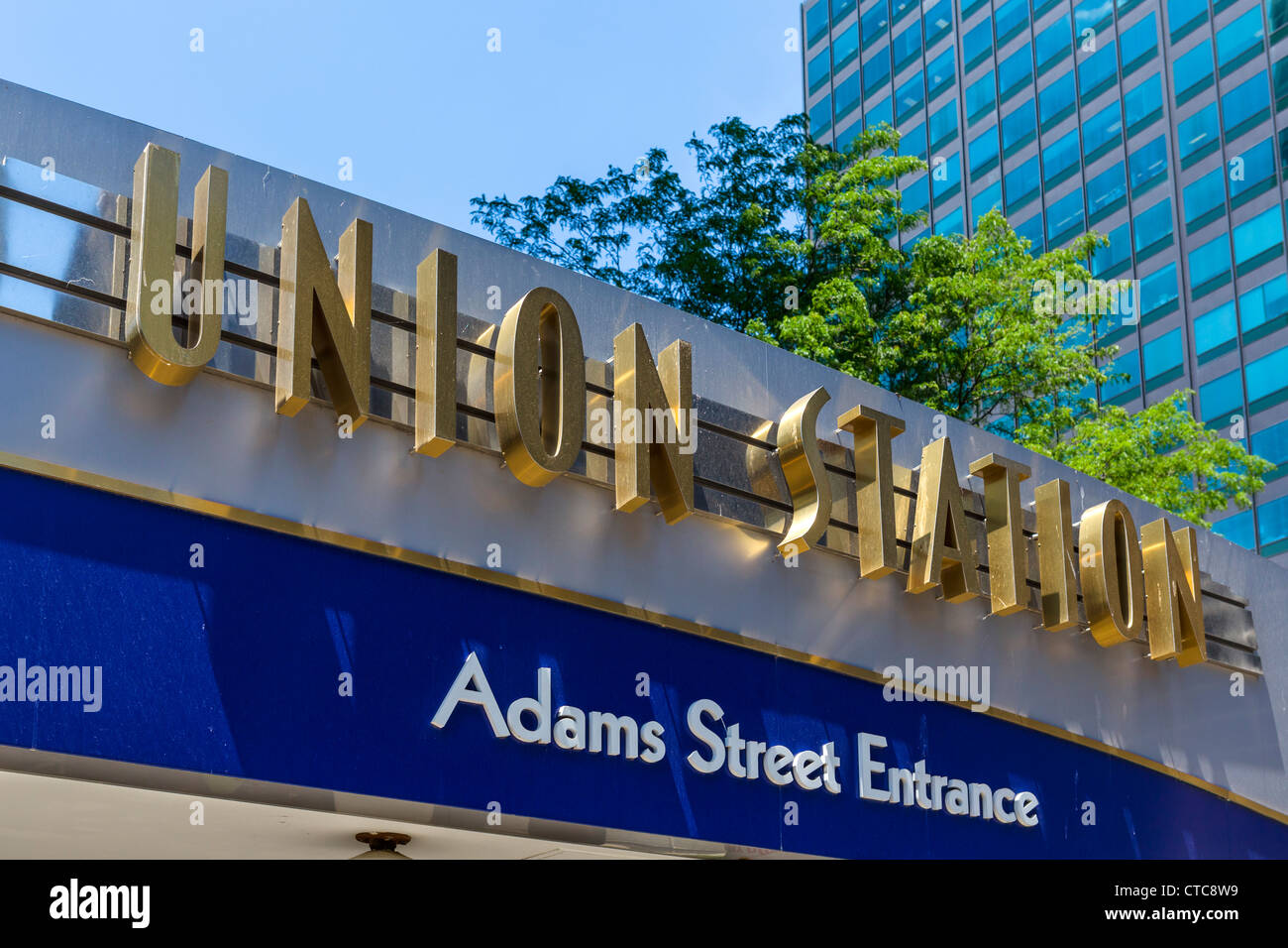 Sign over the Adams Street Entrance to Union Station, Chicago, Illinois, USA - Stock Image