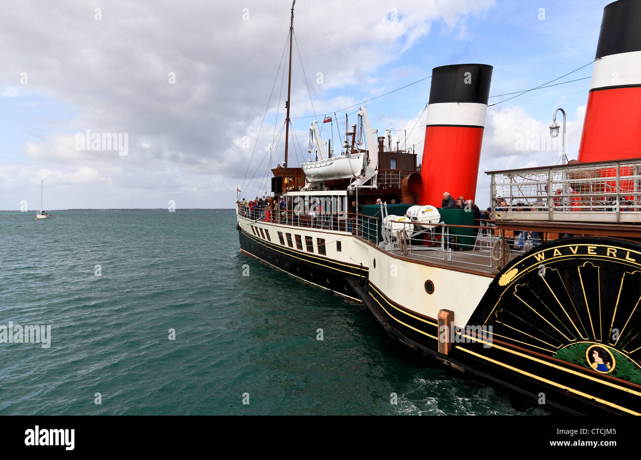 4165. The Waverley Paddle-Steamer at Yarmouth Pier, Isle of Wight, UK - Stock Image