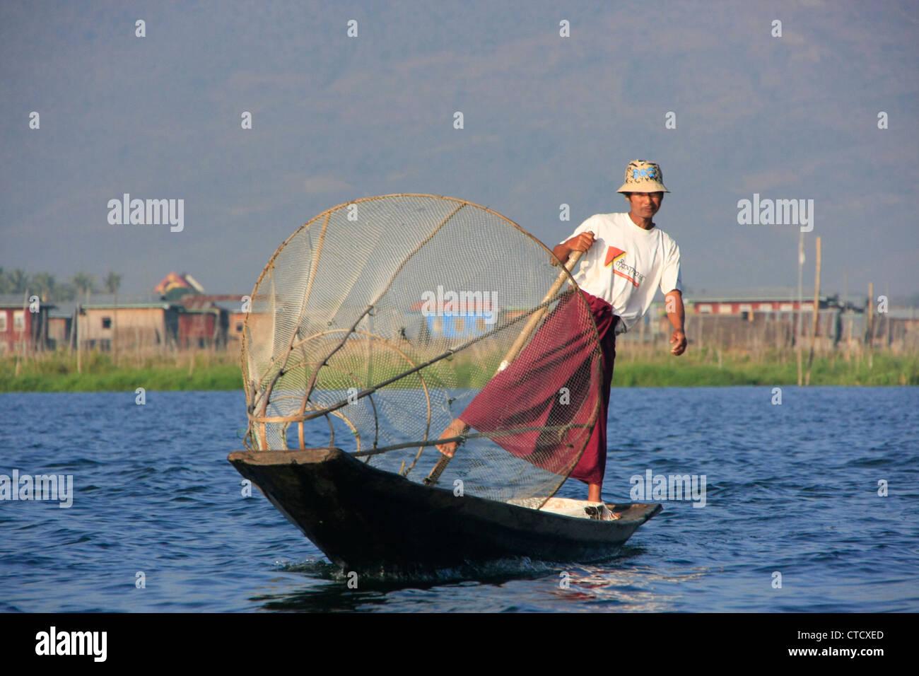 Longyi Myanmar High Resolution Stock Photography And Images Alamy