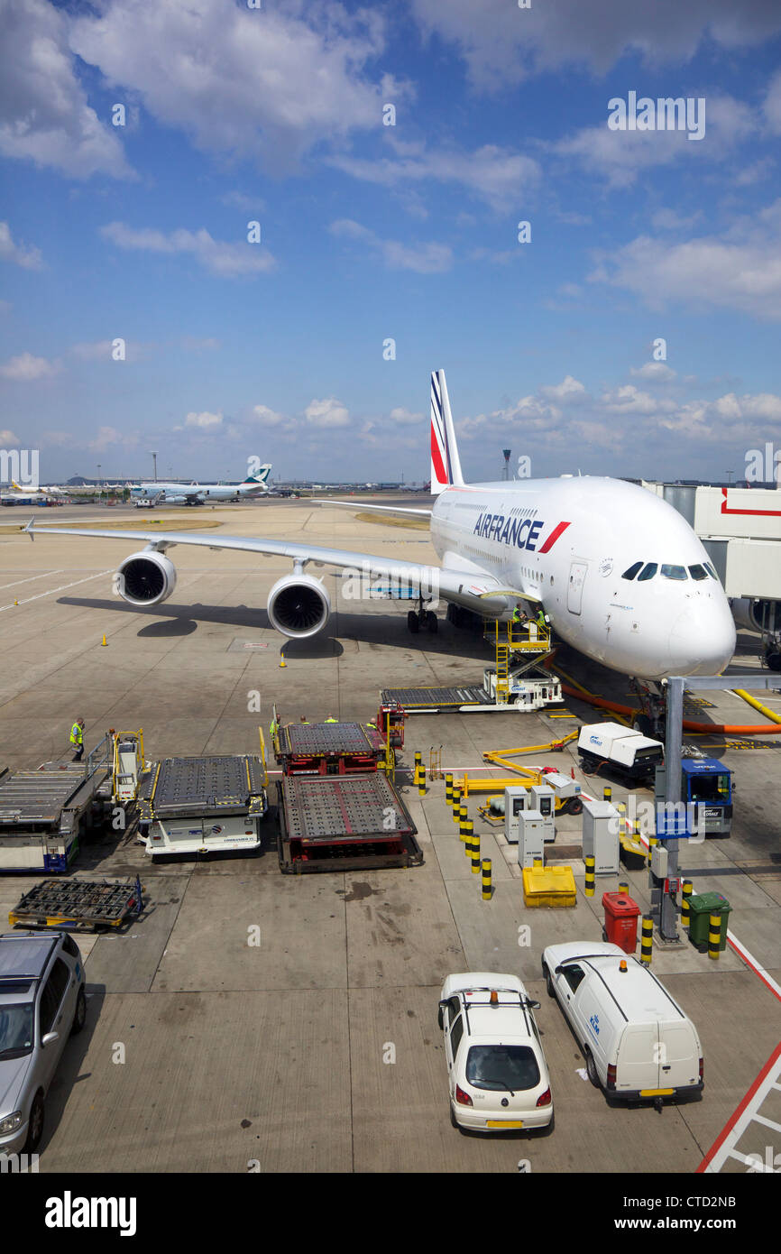 how to get to heathrow terminal 4