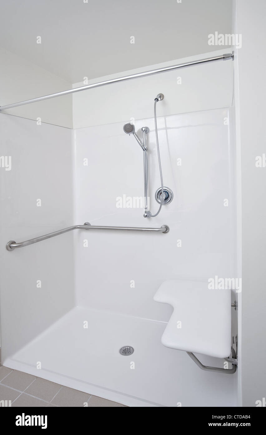 Handicap Shower Stock Photos & Handicap Shower Stock Images - Alamy