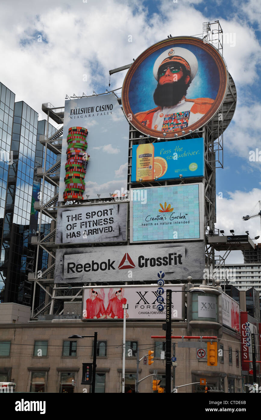 Advertising Billboards In Yonge And Dundas Square In The City Of Toronto - Stock Image