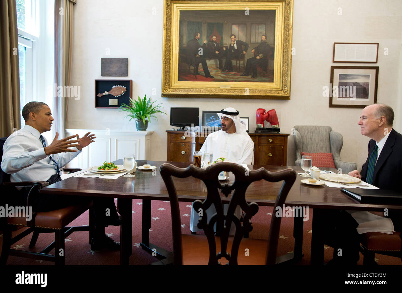 US President Barack Obama has lunch with Abu Dhabi Crown Prince Mohammed bin Zayed Al Nahyan of the United Arab - Stock Image