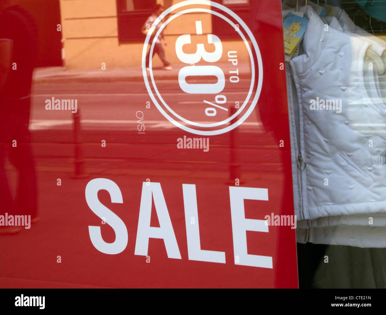 Shop window emblem for summer sales season - Stock Image