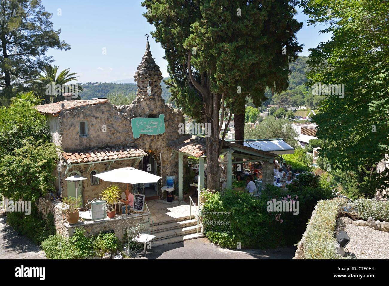 la petite chapelle restaurant saint paul de vence c te d 39 azur stock photo 49489696 alamy. Black Bedroom Furniture Sets. Home Design Ideas