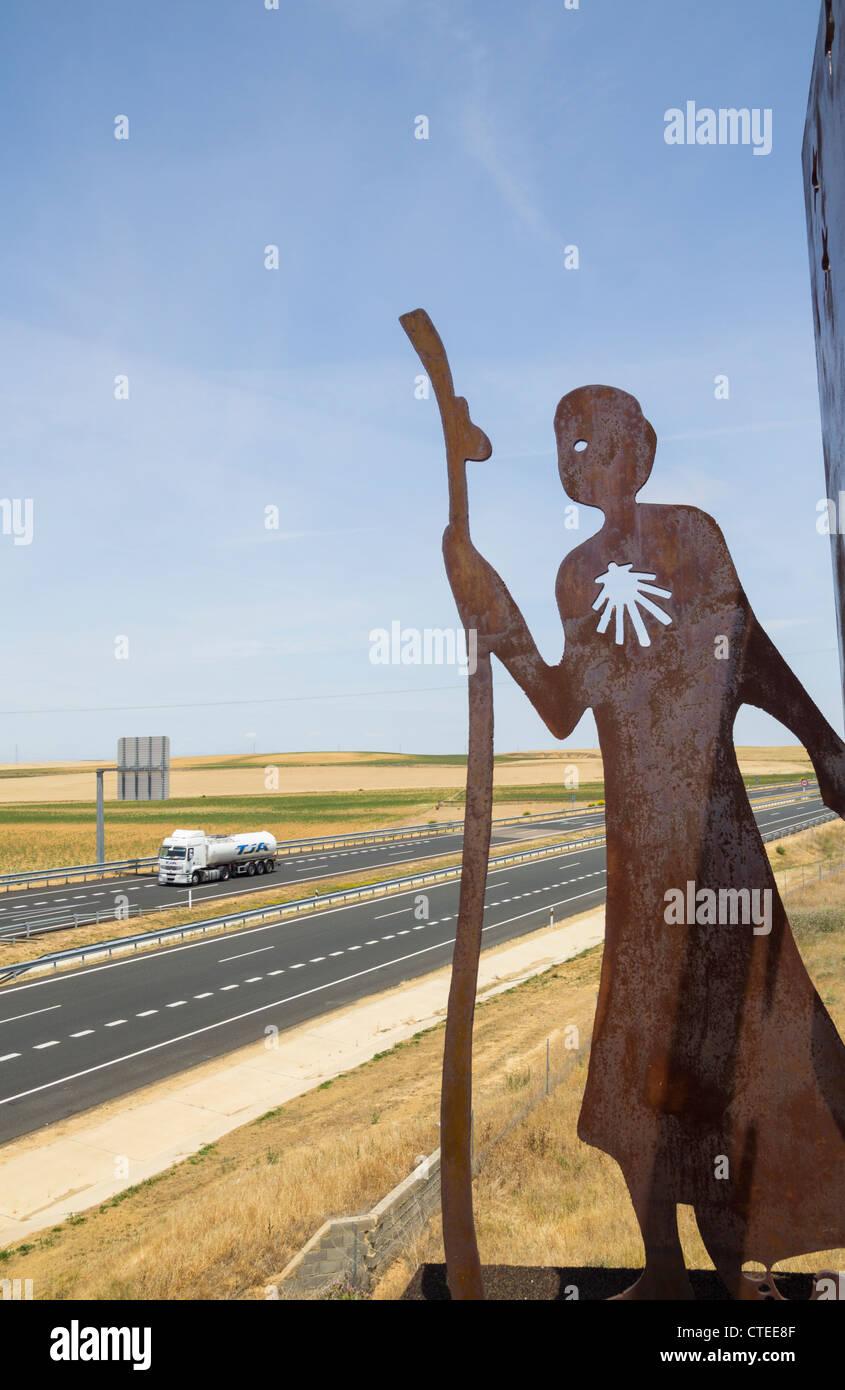 Metal Camino de Santiago sculpture on road bridge in Palencia province, Spain - Stock Image