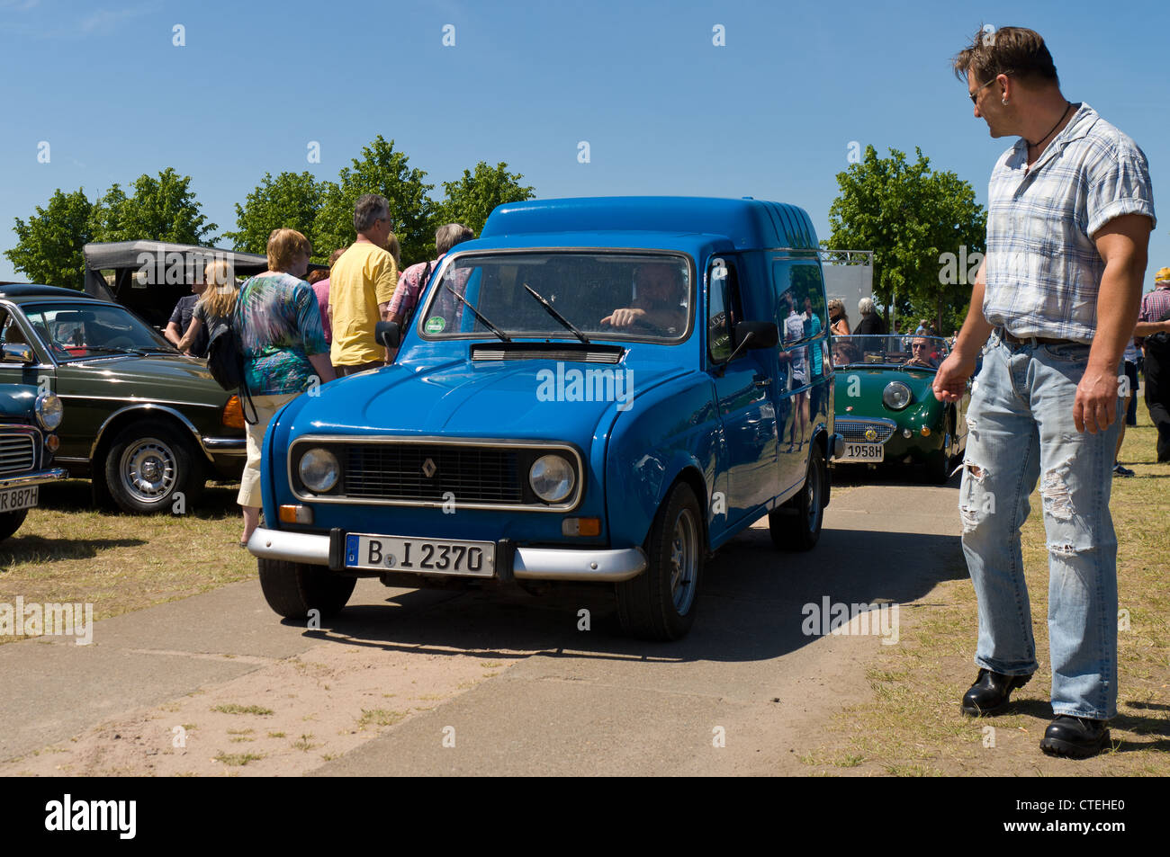 renault 4 stock photos renault 4 stock images alamy. Black Bedroom Furniture Sets. Home Design Ideas