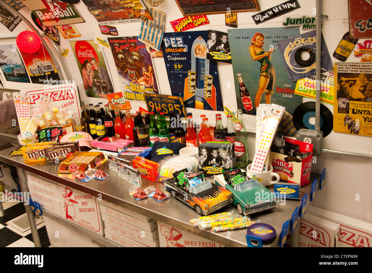 USA Utah Escalante, nostalgic movie candy at the Shooting Star Drive-In. - Stock Image