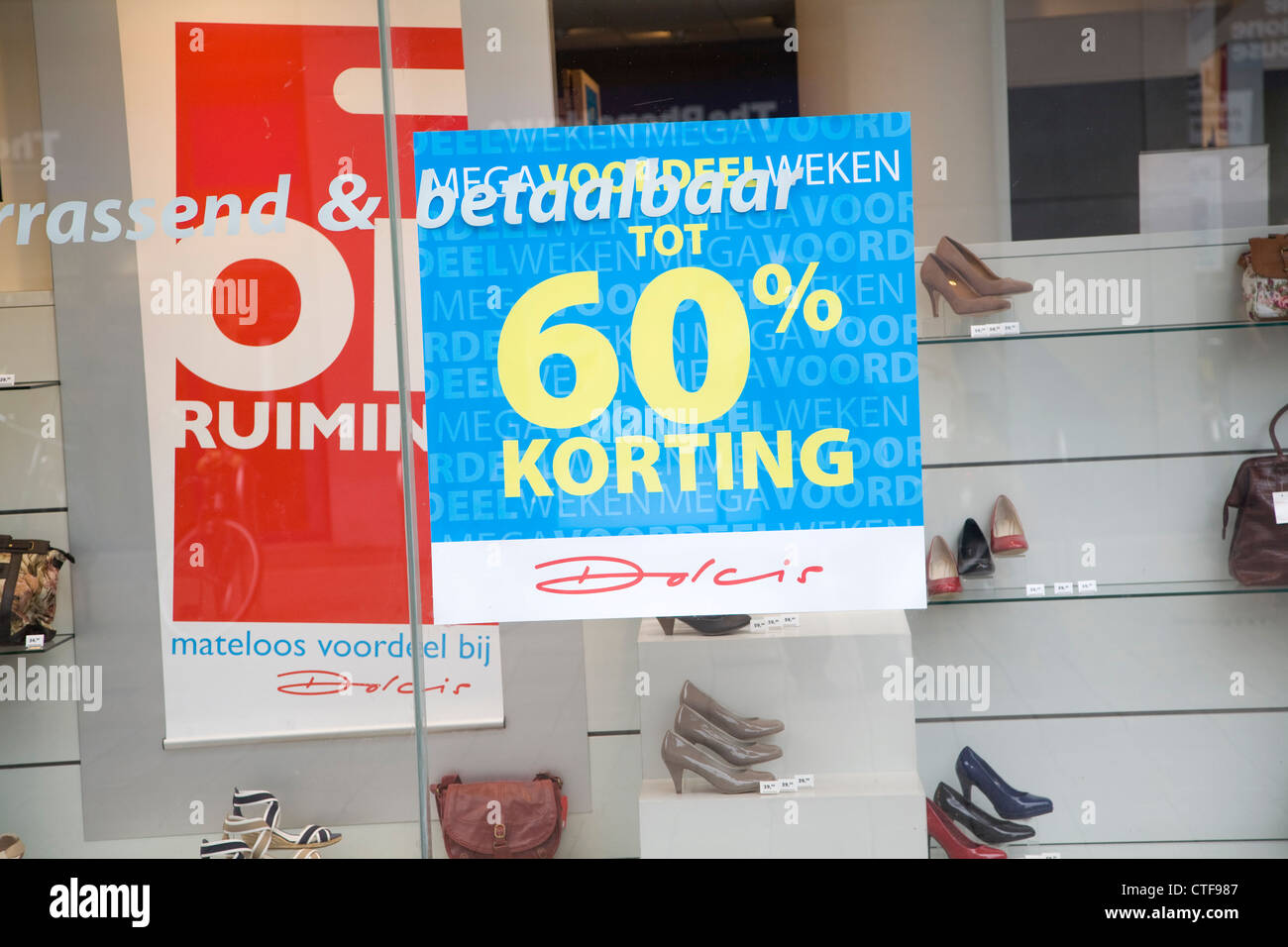 60% Korting discount price reduction shop window Netherlands - Stock Image