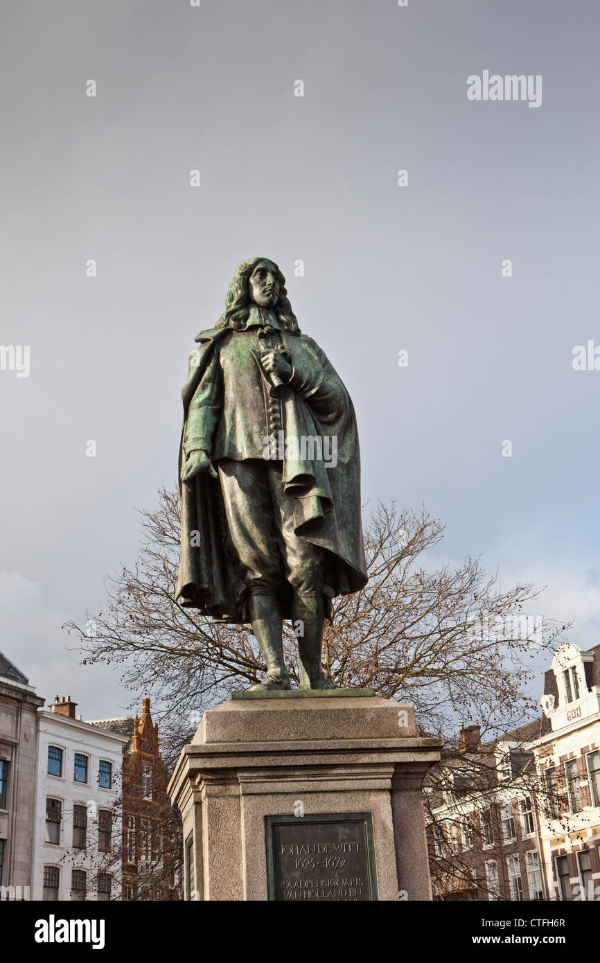 The Netherlands, Den Haag, Statue of Johan de Witt (1625-1672). Statesman. - Stock Image