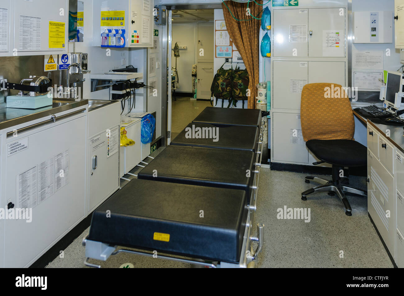 Sickbay on-board Royal Navy Type 45 destroyer HMS Dragon, which can be convered into an operating theatre - Stock Image