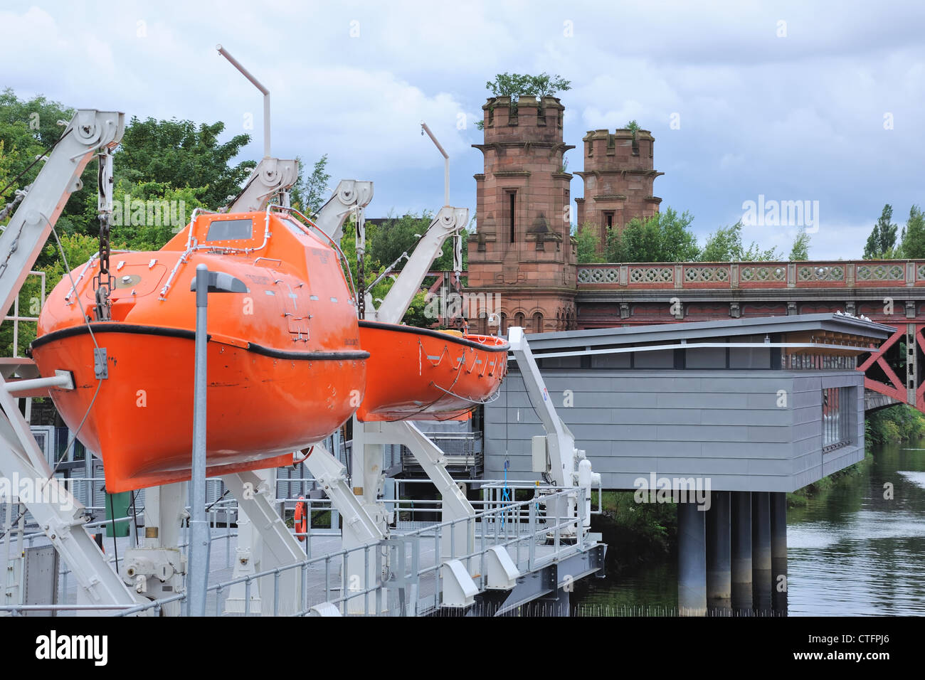 This survival pod can be seen on the River Clyde at the Glasgow College of Nautical Studies. - Stock Image