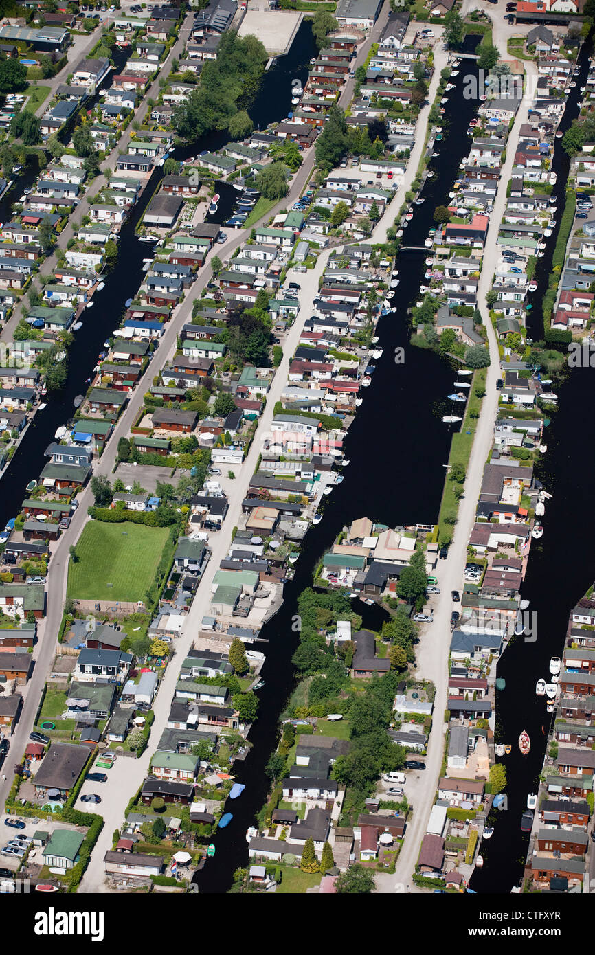 The Netherlands, Loosdrecht, Aerial. Holiday houses near lake called Loosdrecht lakes. - Stock Image