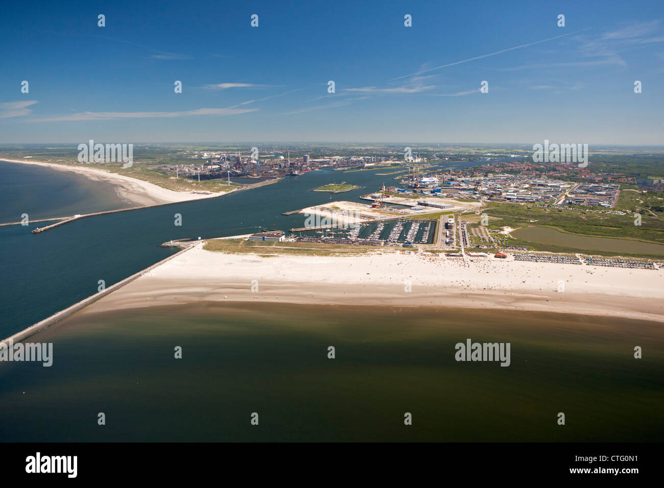 The Netherlands, IJmuiden, Aerial, Entrance of North Sea Canal. Beach. - Stock Image