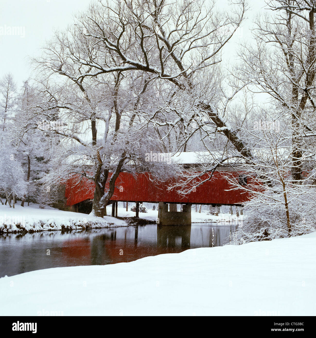 BOGART'S BRIDGE RED COVERED BRIDGE WITH SNOWY LANDSCAPE LEHIGH VALLEY  PENNSYLVANIA - BOGART'S BRIDGE RED COVERED BRIDGE WITH SNOWY LANDSCAPE LEHIGH