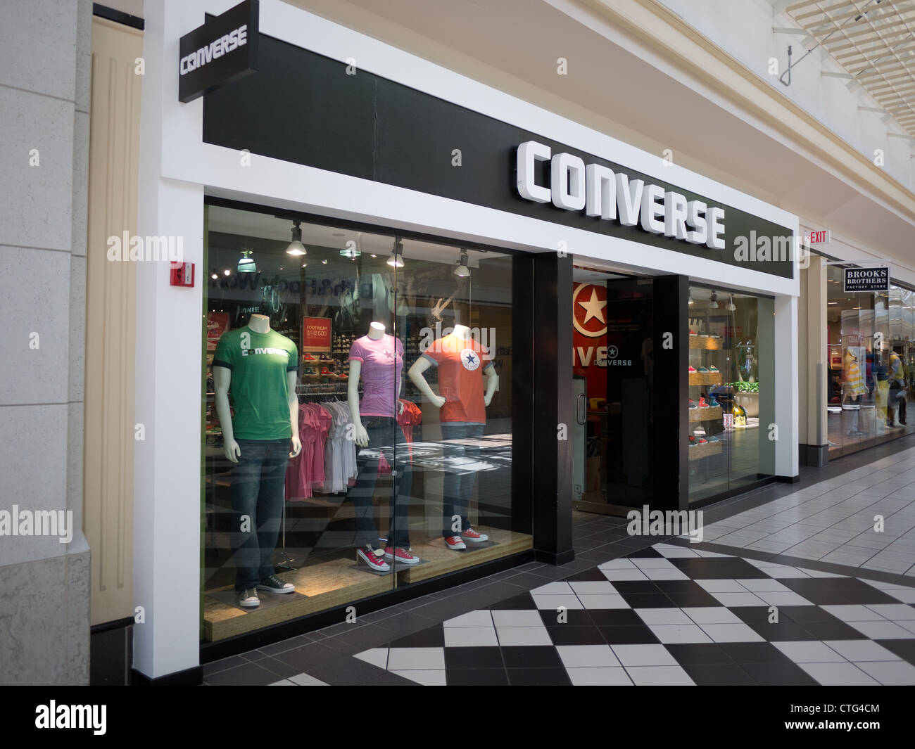 1b8b2367ea49 Converse Store Stock Photos   Converse Store Stock Images - Alamy