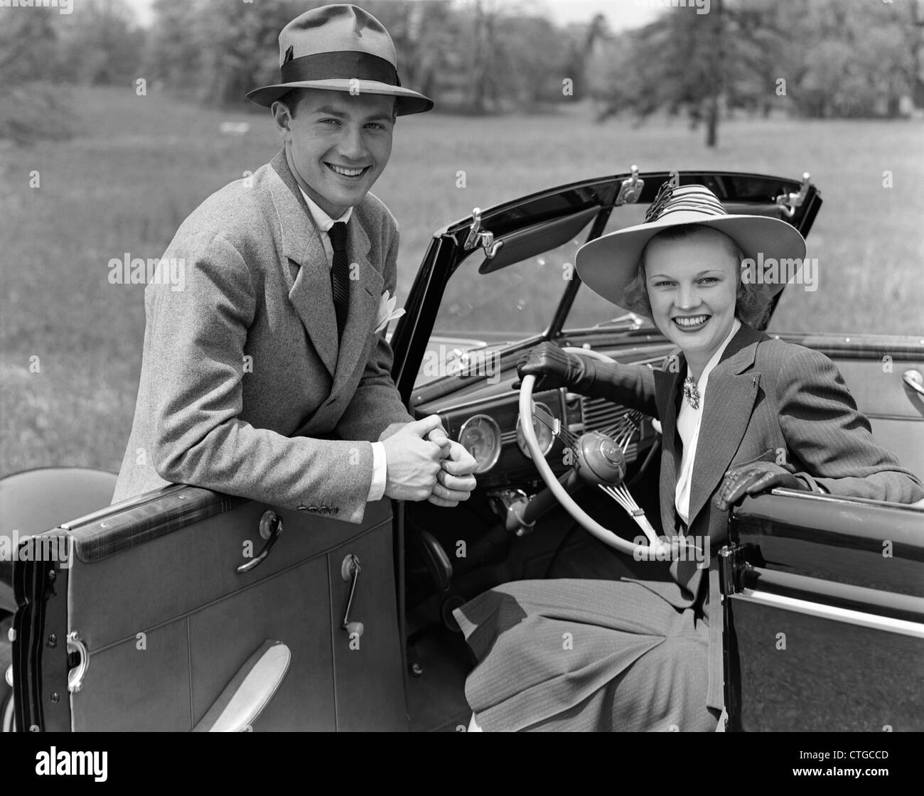 1940s Couple Car High Resolution Stock Photography And Images Alamy