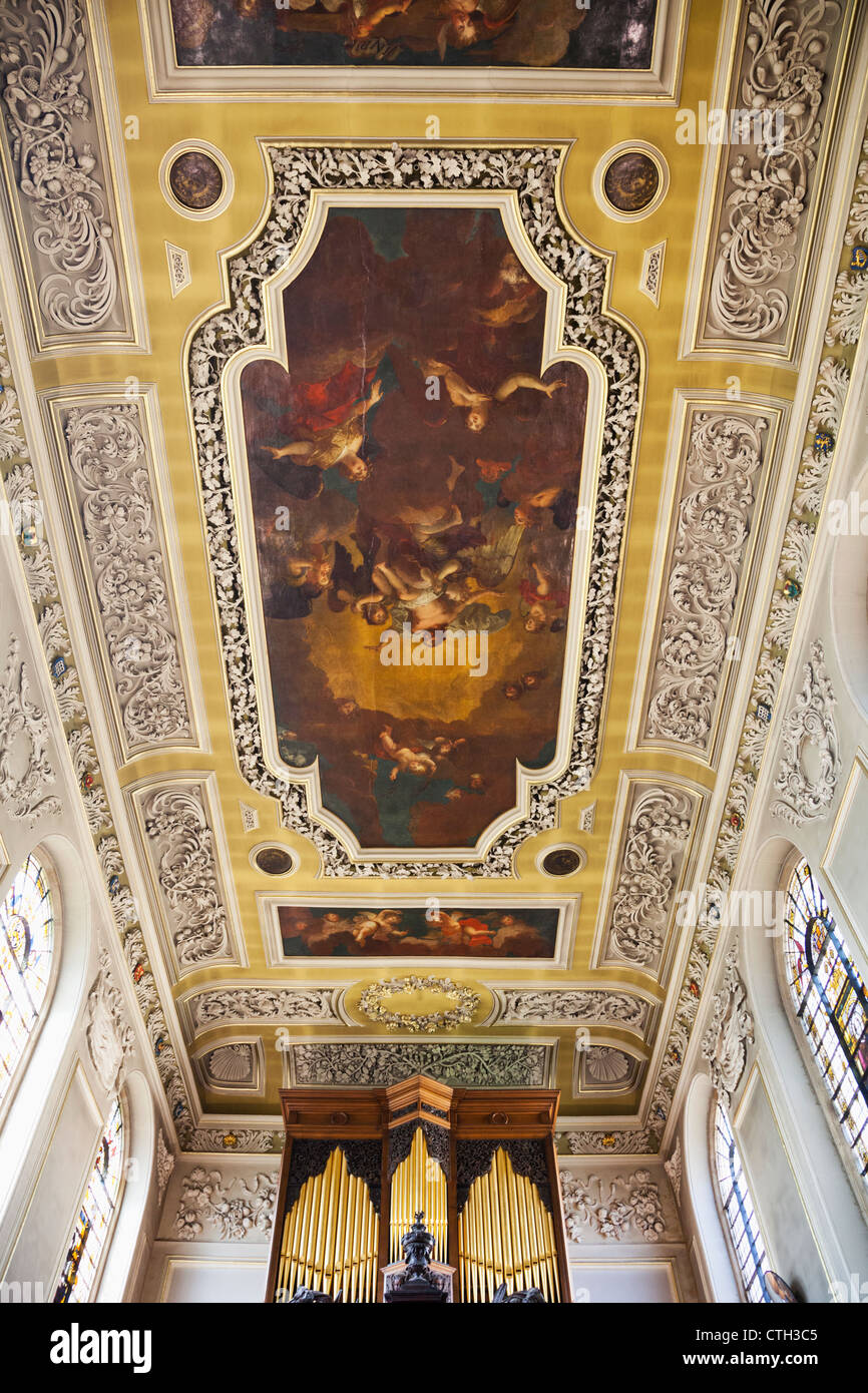 Oxfordshire, Oxford, Oxford University, Trinity College, The Chapel, Ceiling Painting by Pierre Berchet of The Ascension - Stock Image