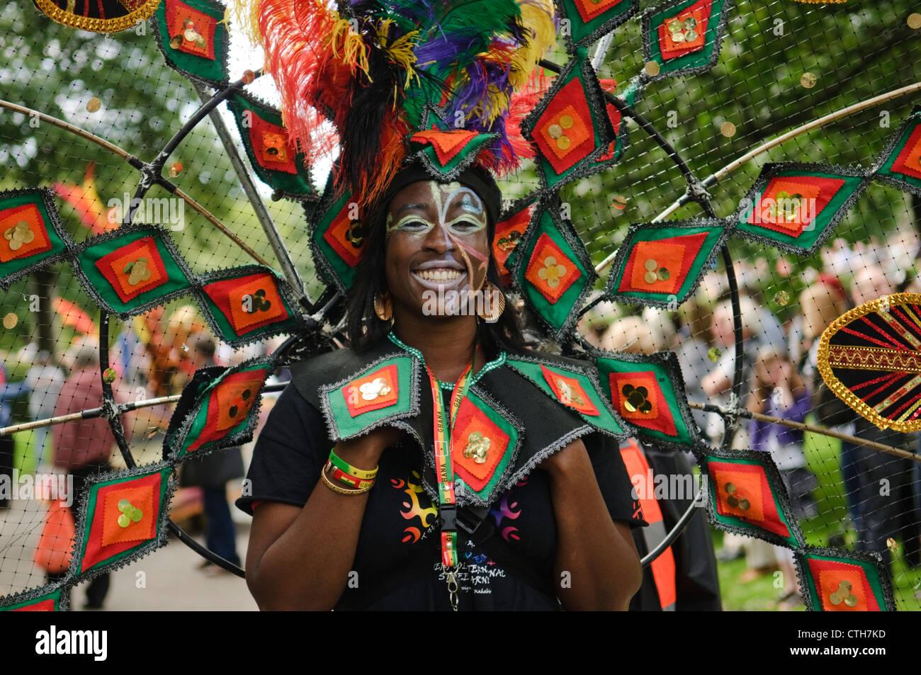 Edinburgh Festival Carnival -  Brouhaha performers. - Stock Image