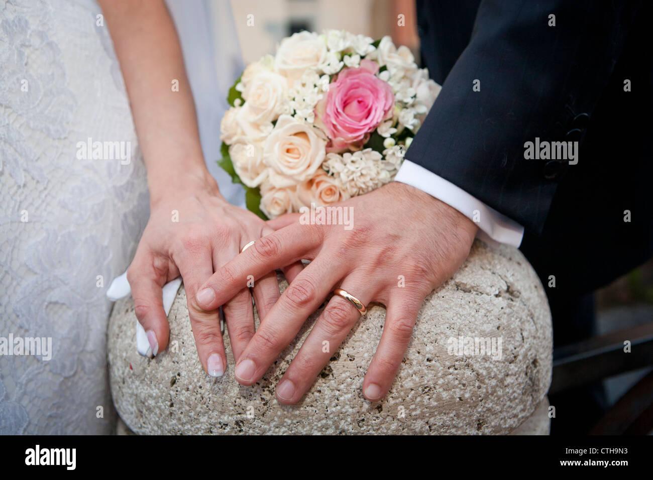 Wedding Bands Stock Photos & Wedding Bands Stock Images - Alamy
