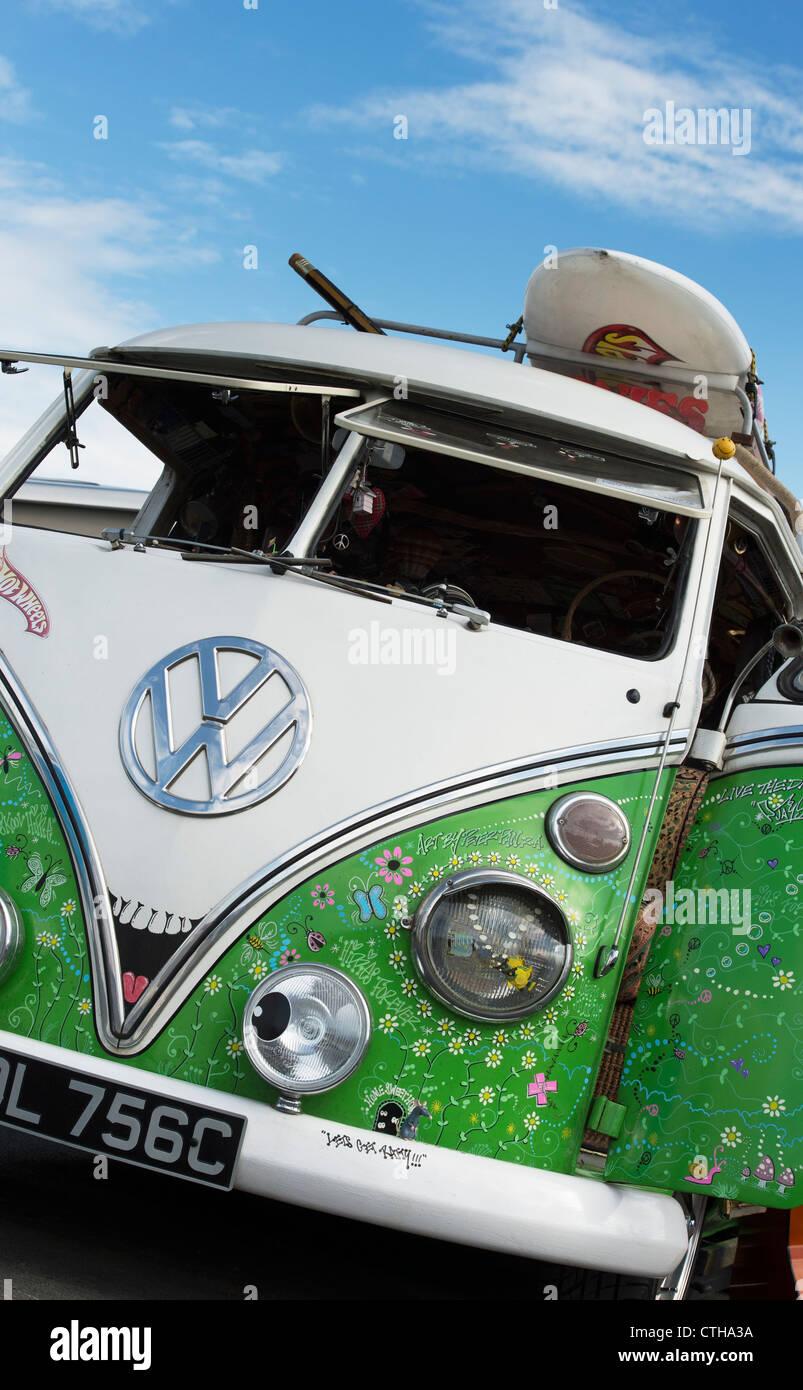 VW Split Screen Volkswagen camper van. Seventies hippie style - Stock Image