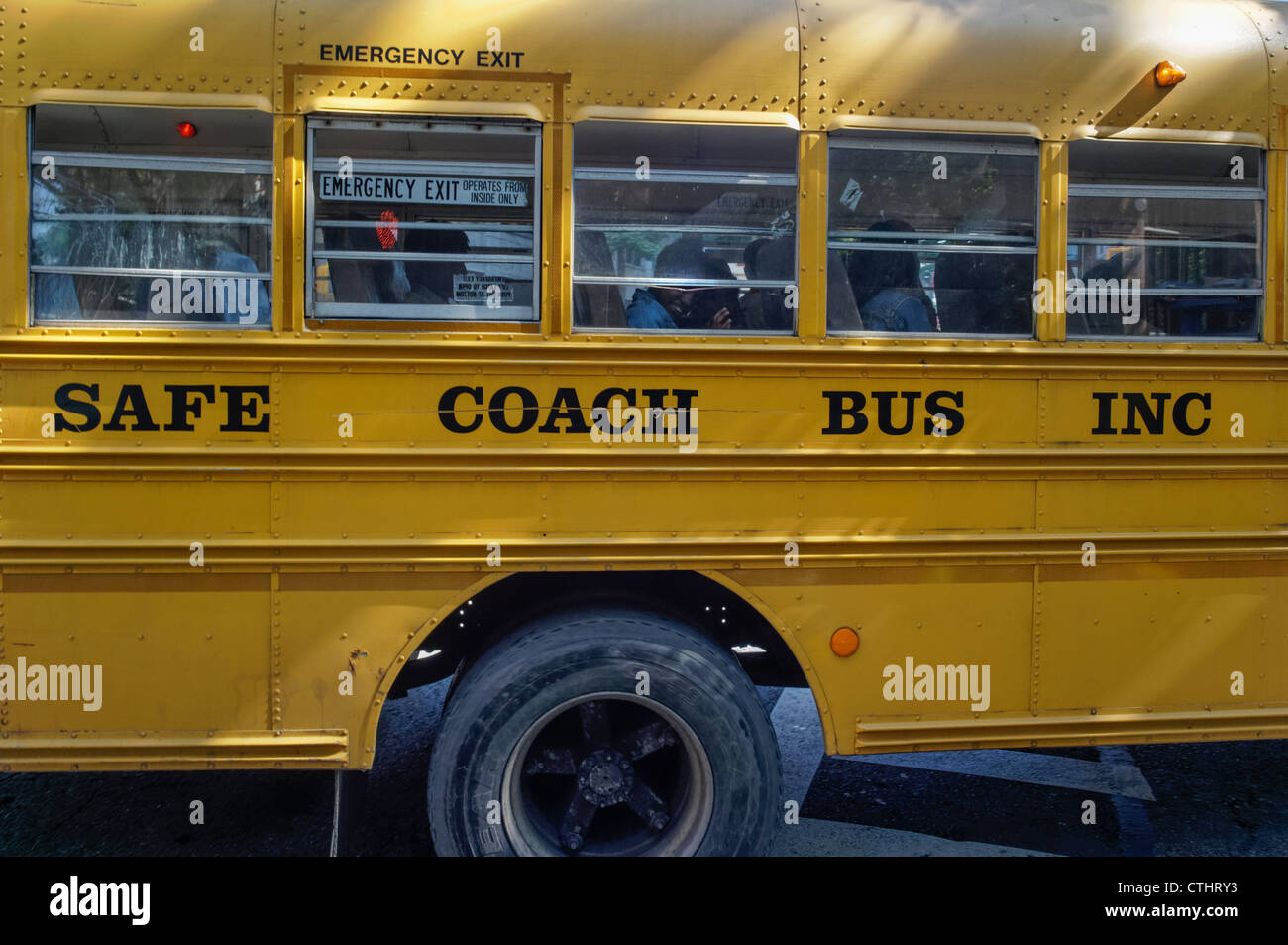 School Bus in Brooklyn Heights, New York - Stock Image