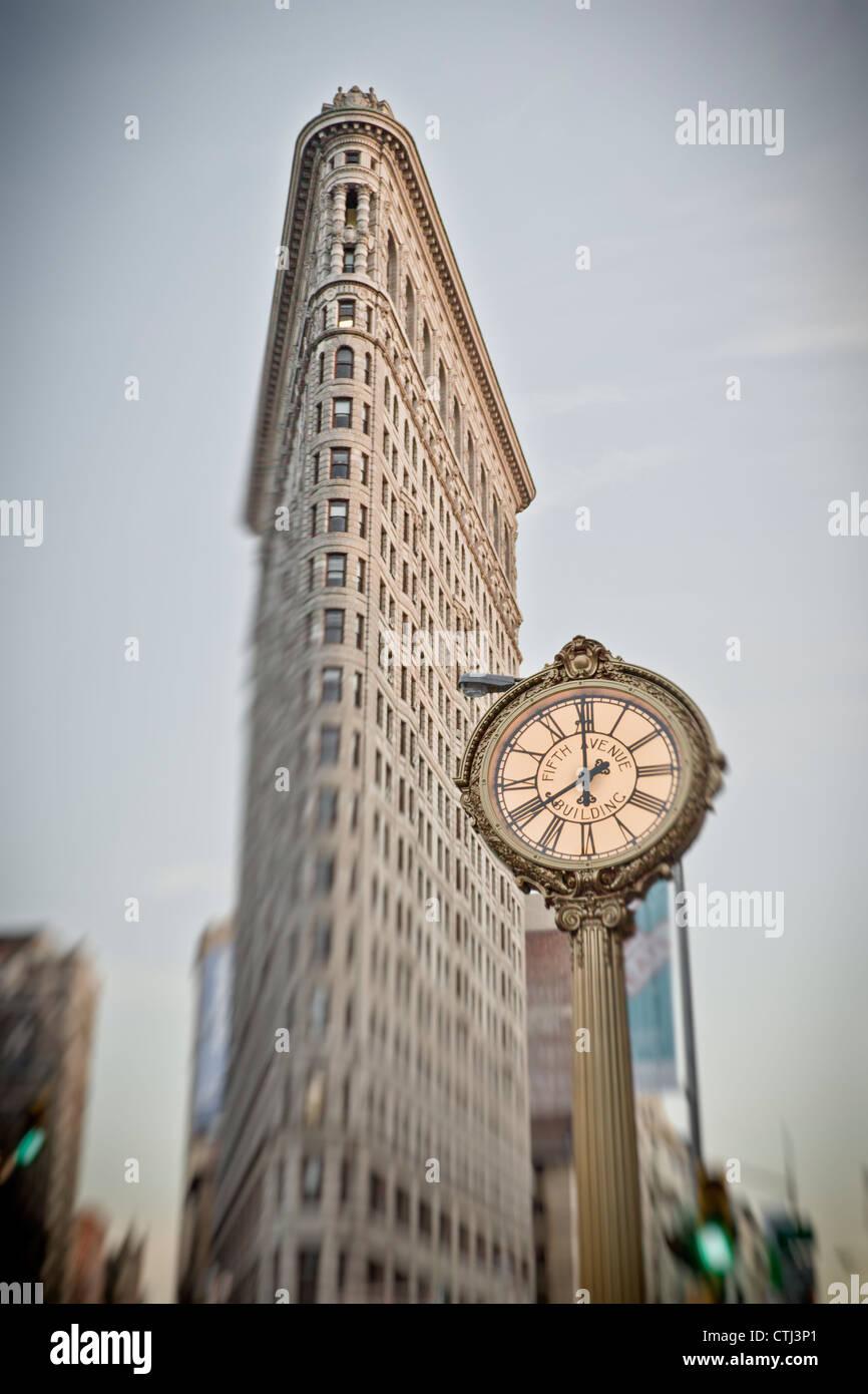 Flatiron building, 5th Avenue Clock, New York - Stock Image