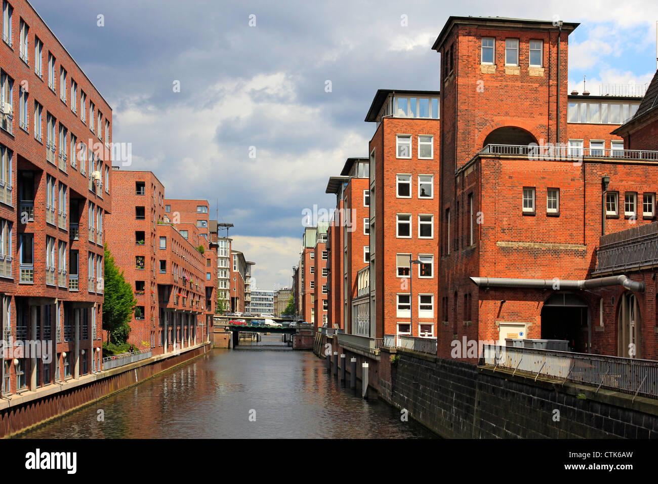 Germany, Hanseatic City Hamburg, Brick building on the Herrengrabenfleet - Stock Image