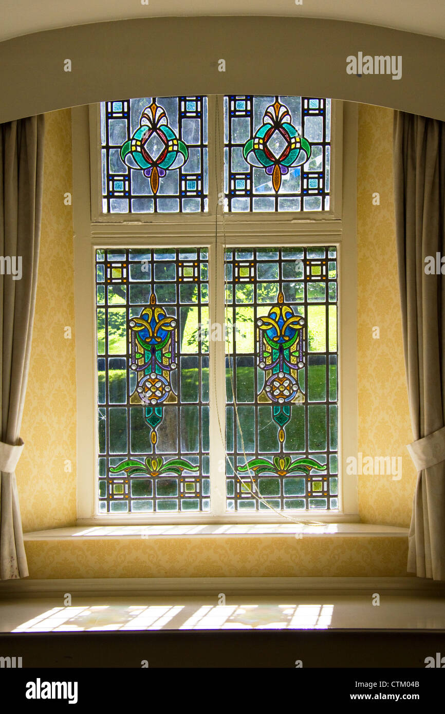 Window in a guest house in Buxton, Derbyshire, UK - Stock Image