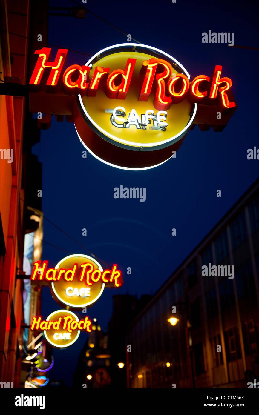 Night scene of the Hard Rock Cafe in Dublin Ireland. 49 Fleet Street, Dublin, Co. Dublin, Ireland, Temple Bar Area. - Stock Image