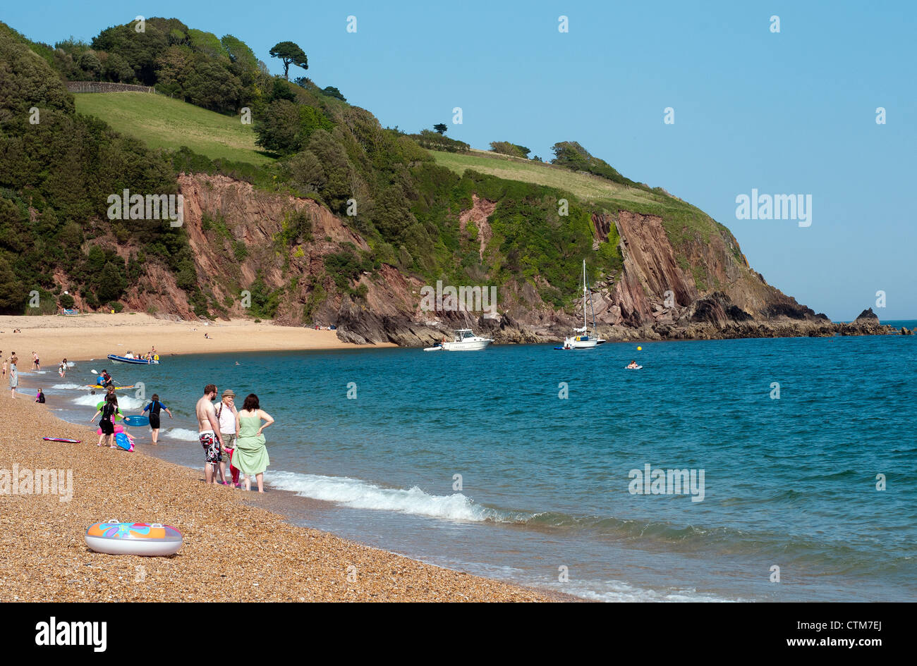 beach at Blackpool Sands, boats, cliff, coast, devon, england, house, ocean, rock, sand, sea, waves - Stock Image