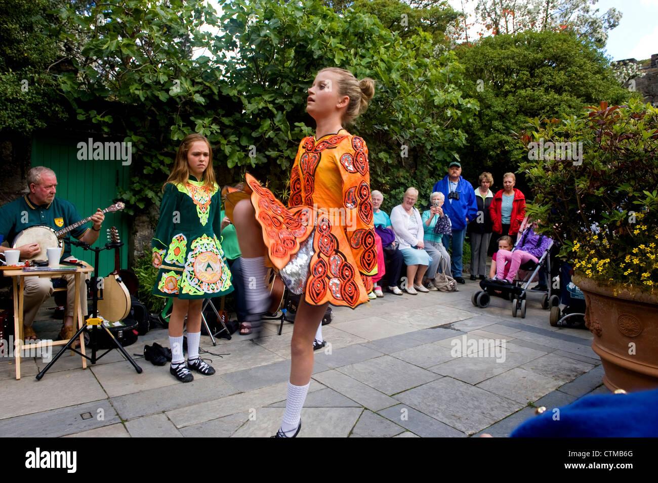 Irish dancing at Glenveagh, Donegal, Ireland - Stock Image