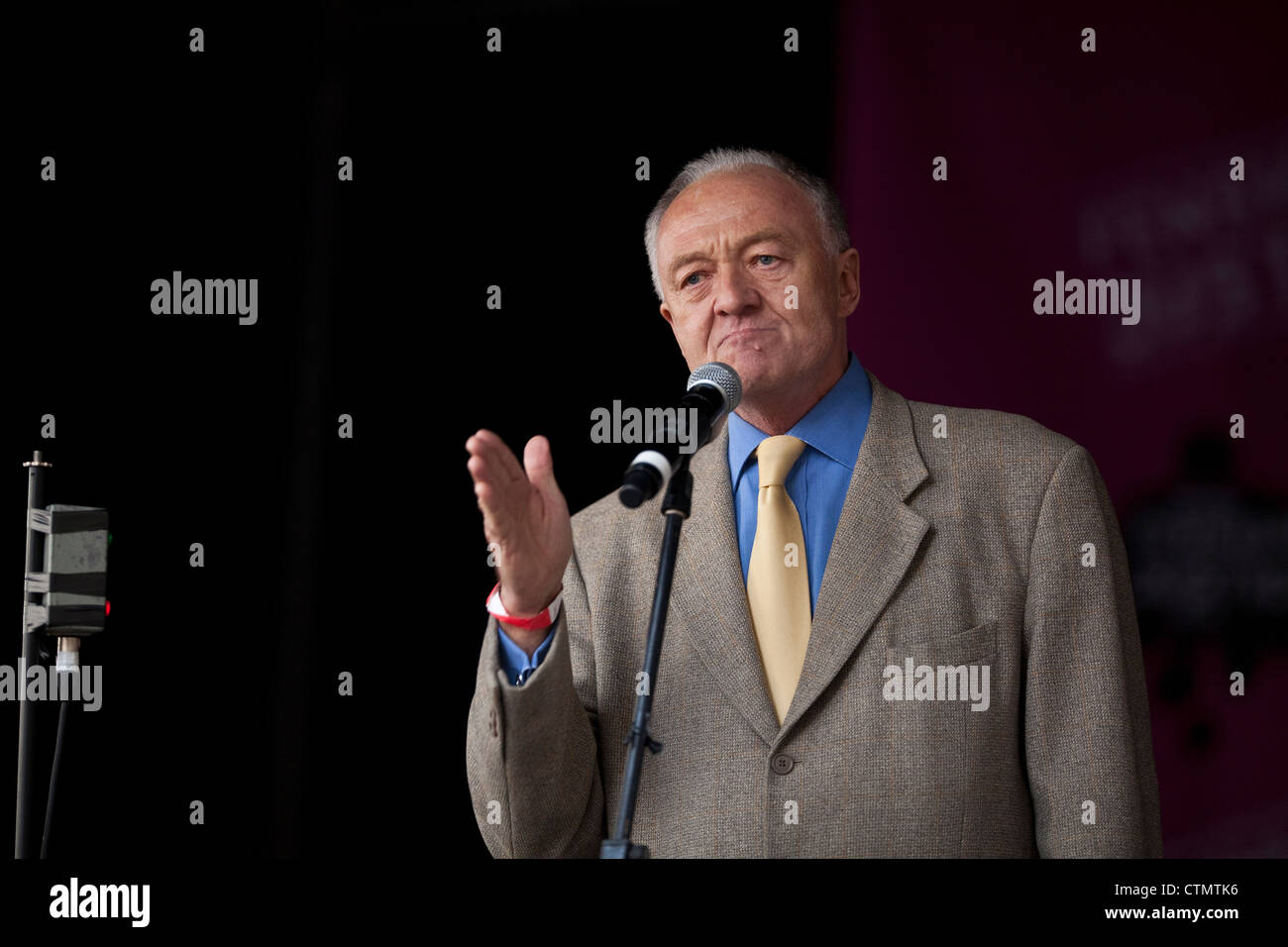 Ken Livingstone on stage at the Public sector rally in London on November 30th 2011 - Stock Image