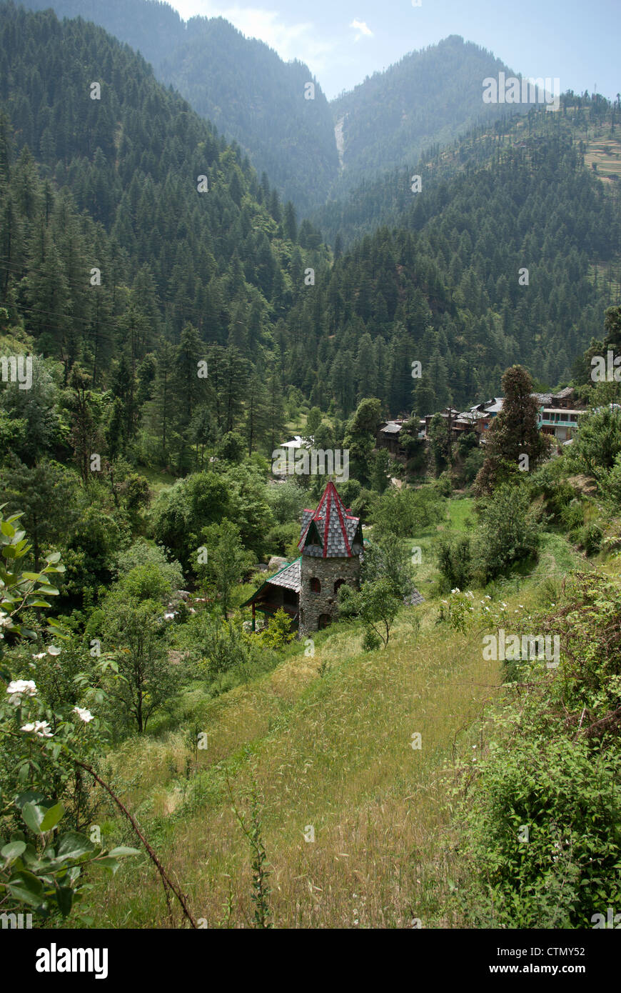 House in the Tirthan Valley, Himachal Pradesh state, India - Stock Image