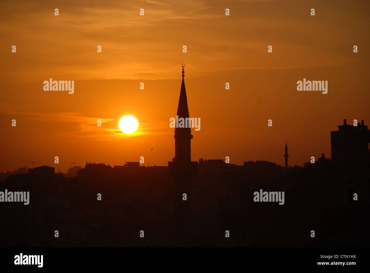 Istanbul at sunset. Picture by: Adam Alexander/Alamy Stock Photo
