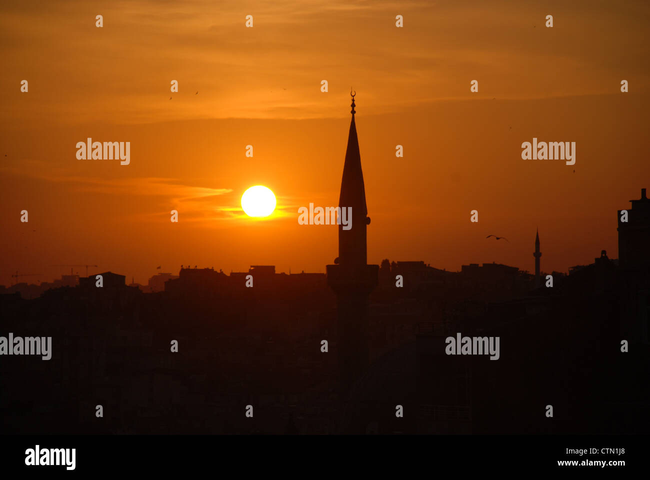 Istanbul at sunset. Picture by: Adam Alexander/Alamy - Stock Image