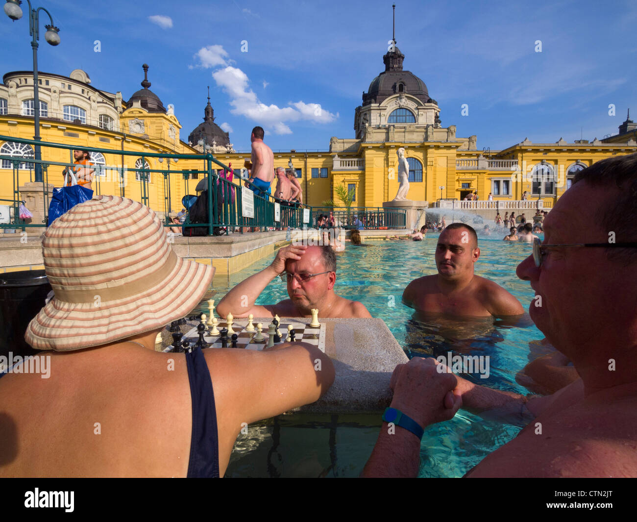 People playing chess in the water at Szechenyi thermal baths, Budapest, Hungary, Eastern Europe - Stock Image