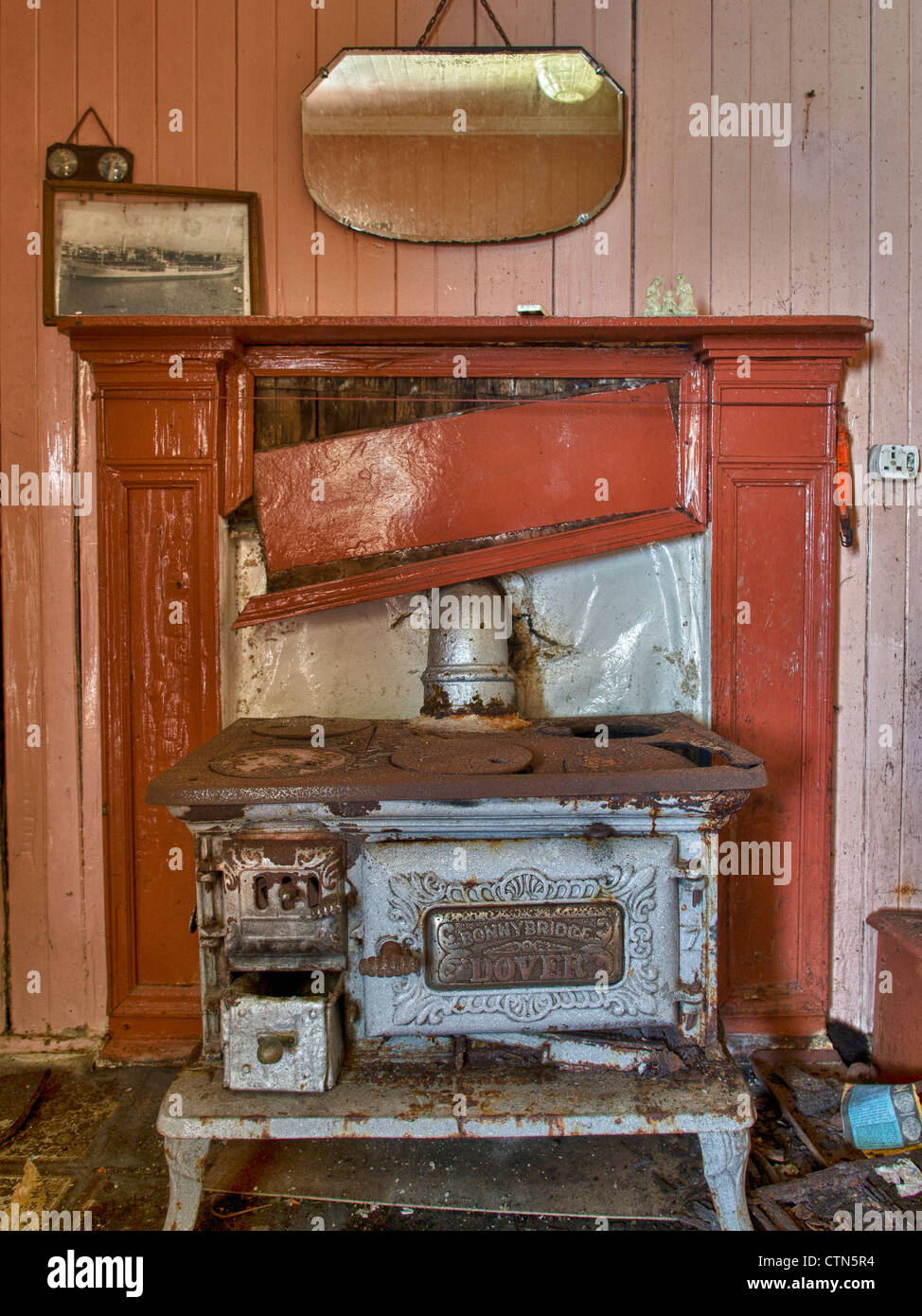 Old Iron Stove, Vatersay, Outer Hebrides - Stock Image