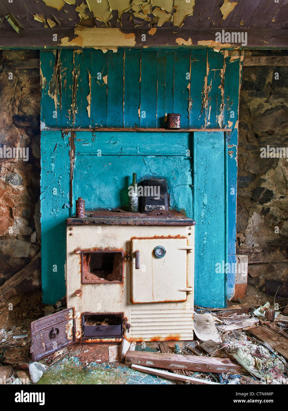 Old Rayburn Cooker, Eriskay - Stock Image