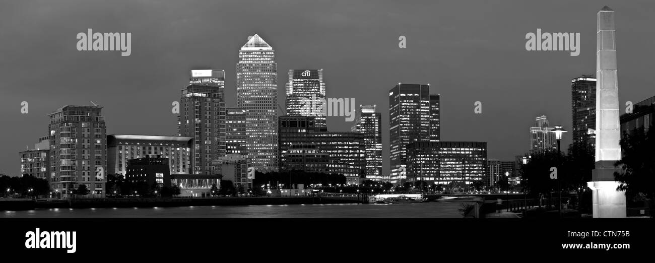 Canary Wharf Financial District At Night, Viewed Across The River Thames, London, England - Stock Image