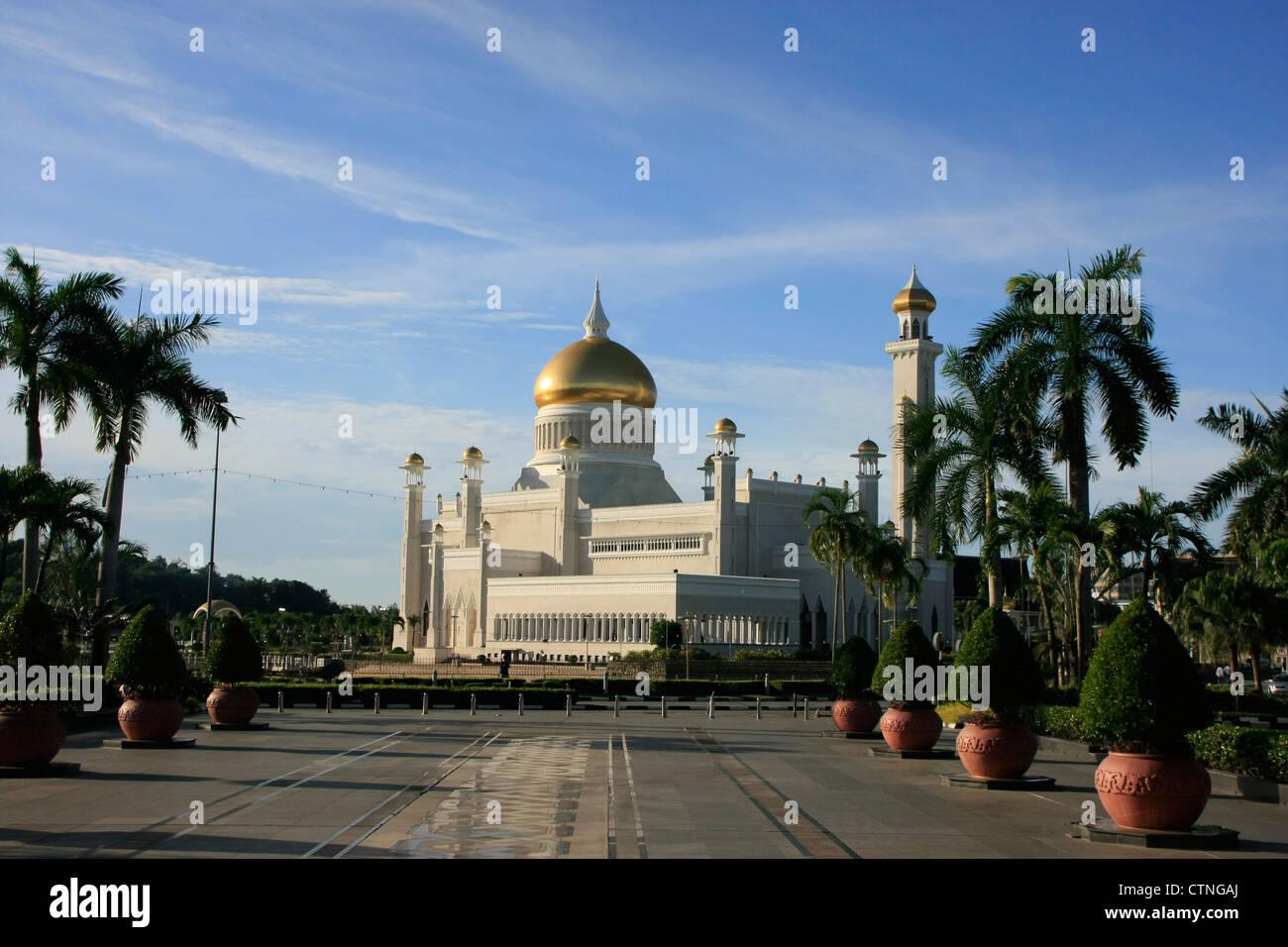 Sultan Omar Ali Saifudding Mosque, Bandar Seri Begawan, Brunei, Southeast Asia - Stock Image