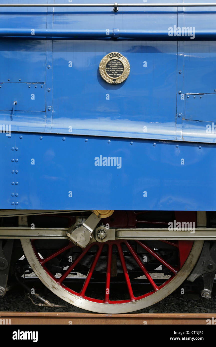 Driving wheels of record-breaking preserved LNER Class A4 steam locomotive 4468 'Mallard'. - Stock Image