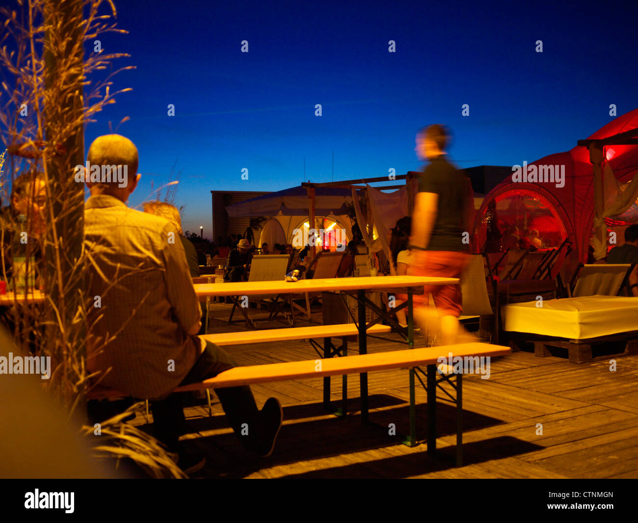 Nightlife Berlin: Rooftop bar - Stock Image