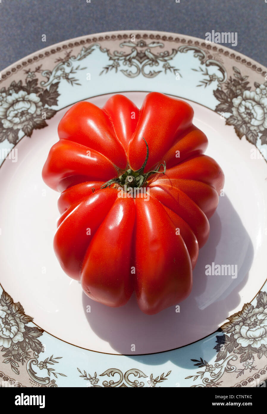 Giant Pink Beef Tomato (Zapotec Pleated) - Stock Image