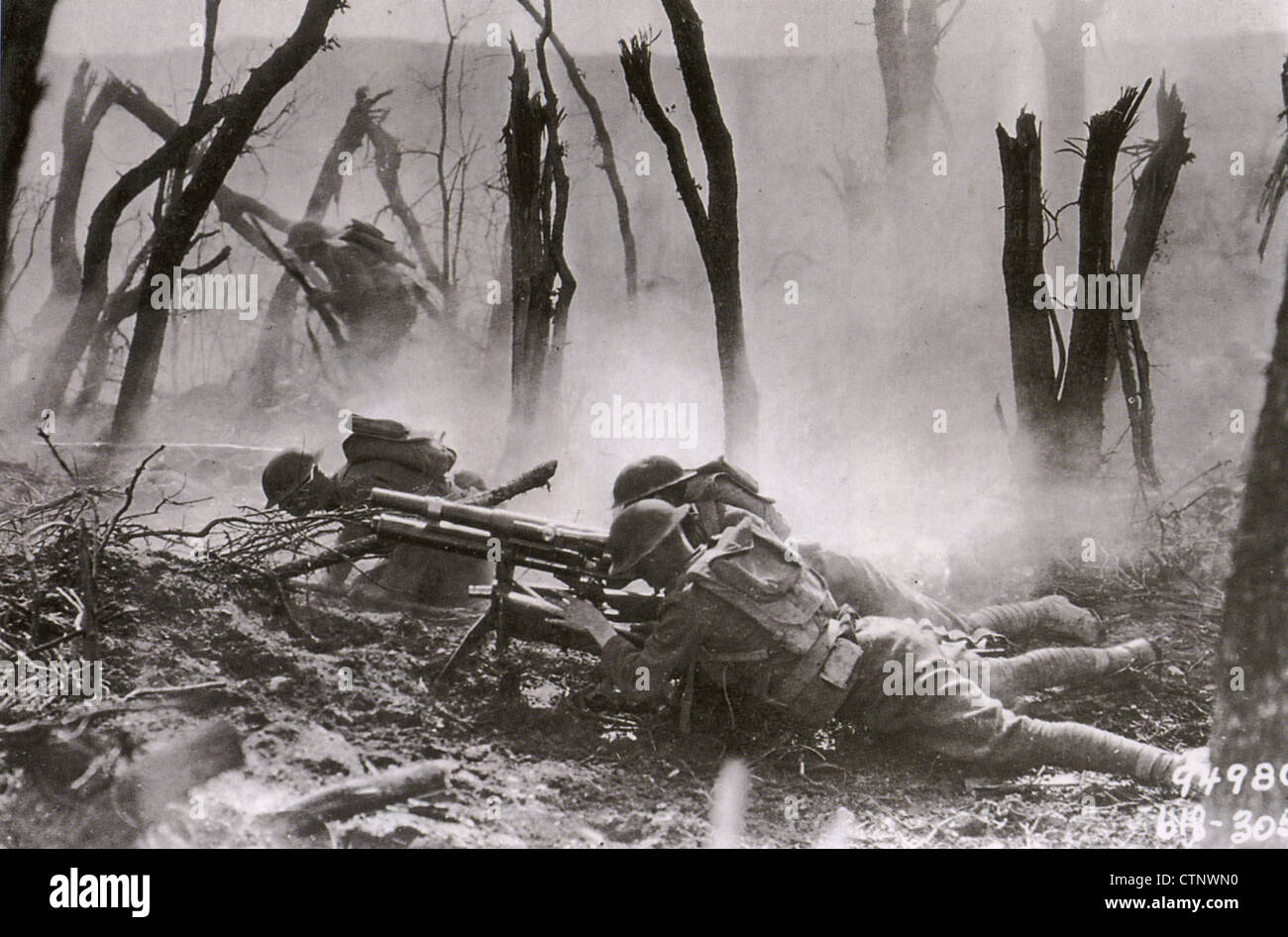 WWI  Soldiers of the US 23rd Infantry Regiment, 2nd division, attacking a German position in Belleau Wood, June - Stock Image