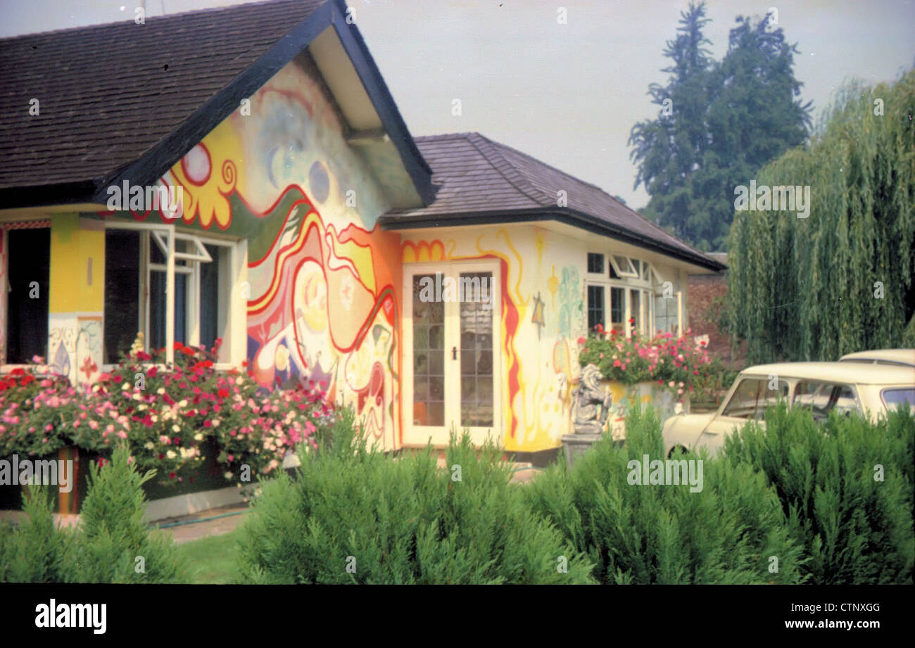 003692 - George Harrison's House Kinfauns in Esher, Surrey on 8th August 1969 - Stock Image
