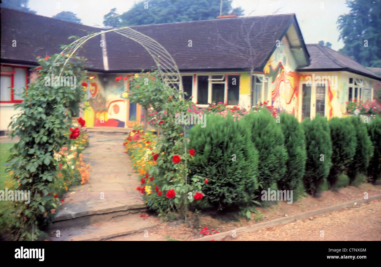 003697 - George Harrison's House Kinfauns in Esher, Surrey on 8th August 1969 - Stock Image