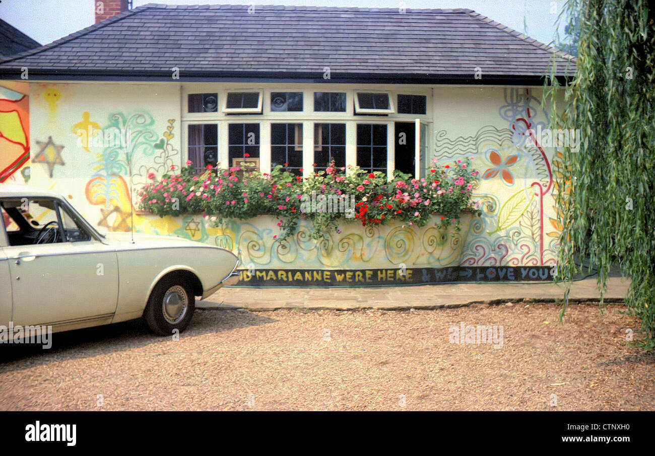 003700 - George Harrison's House Kinfauns in Esher, Surrey on 8th August 1969 - Stock Image