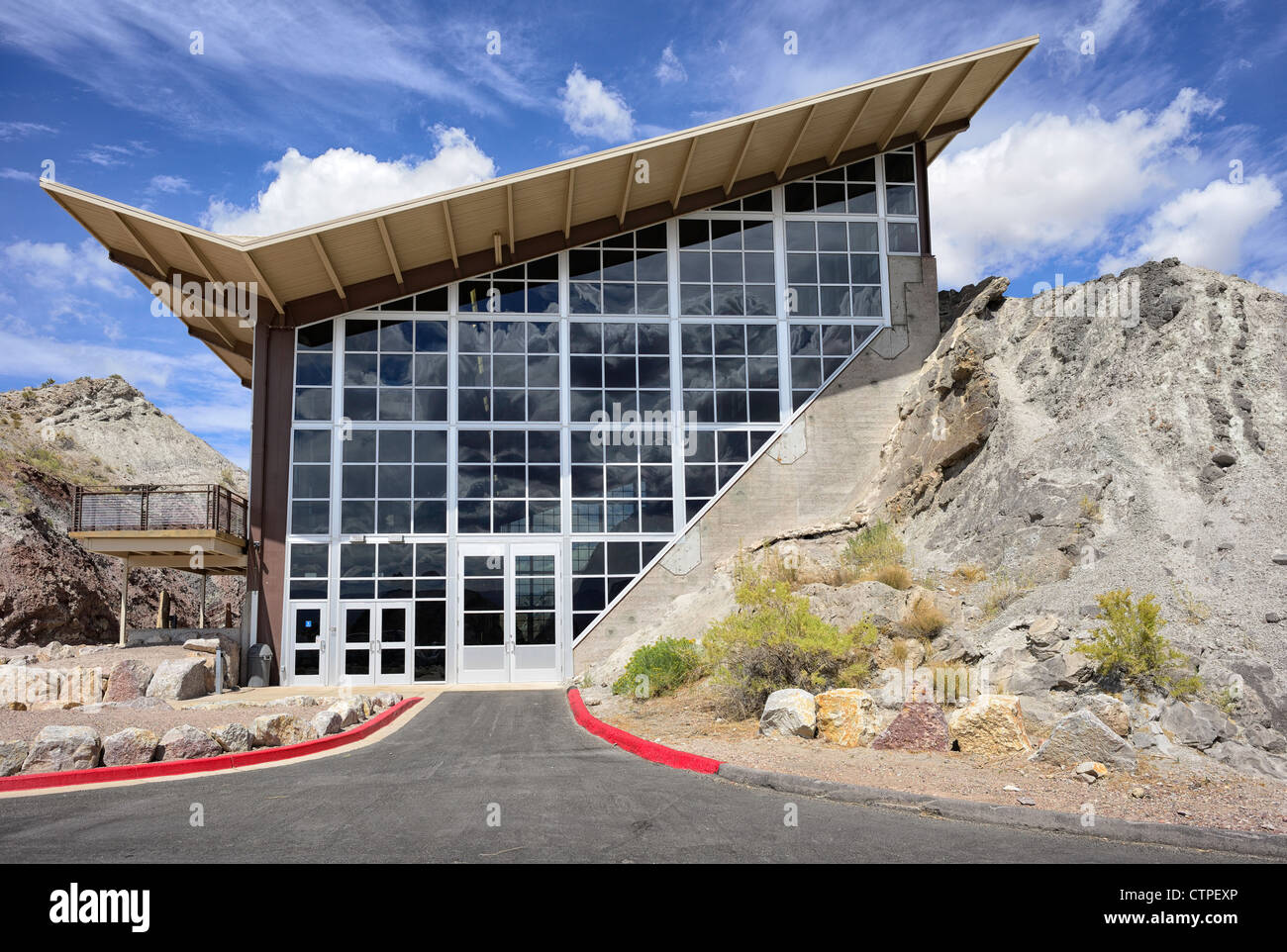 Dinosaur Quarry Fossil Wall building, Dinosaur National Monument, Utah, USA - Stock Image