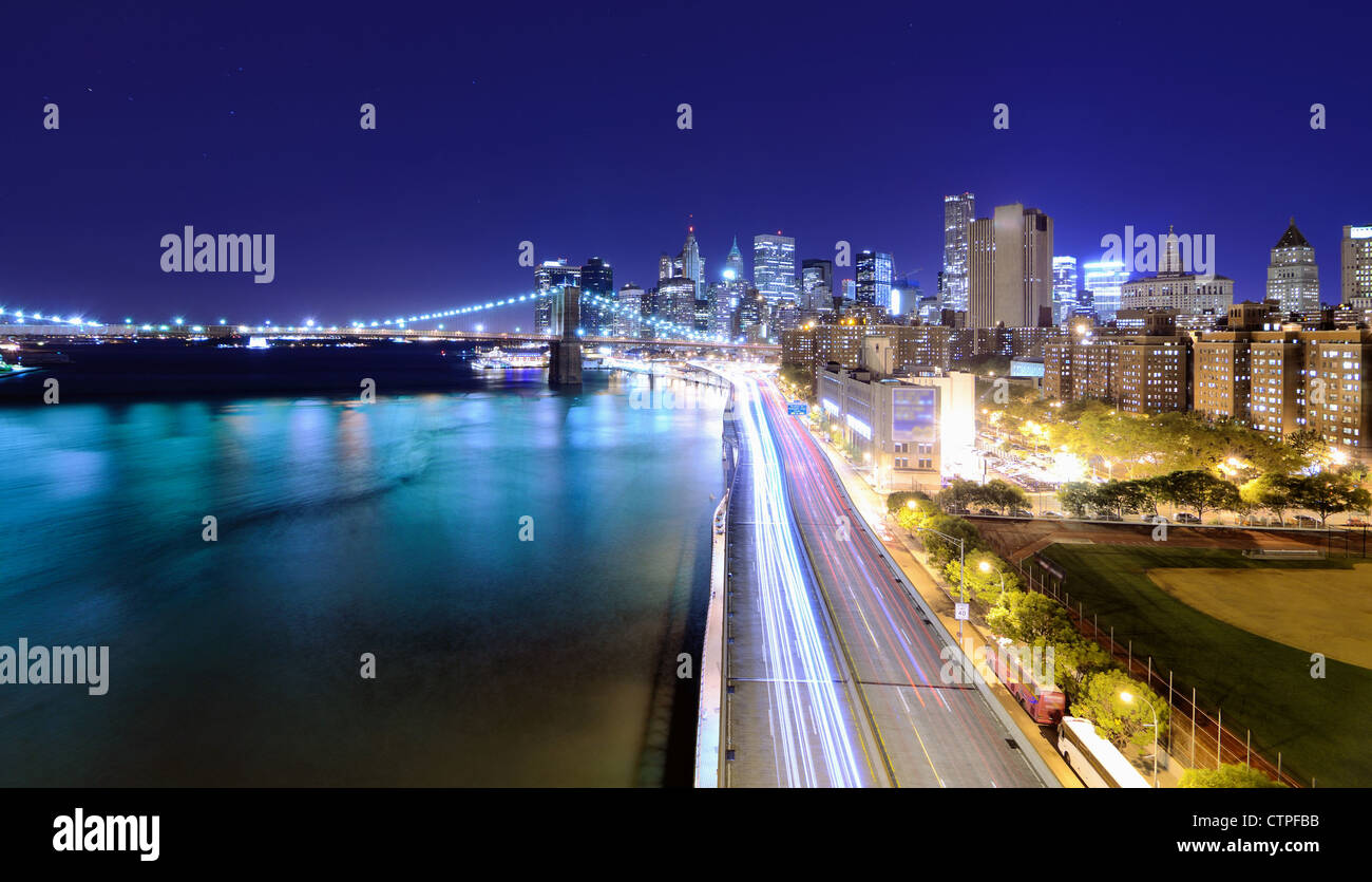Downtown Manhattan Skyline in New York city at night. - Stock Image